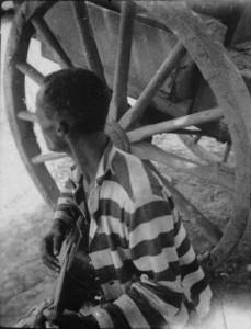 Angola-Prison-Prisoner-with-Guitar-229x300